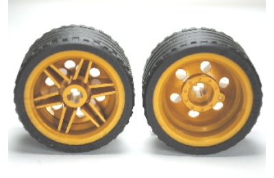 LEGO kerék, gumi és felni,  37 x 22, 30.4 x 20, komplett